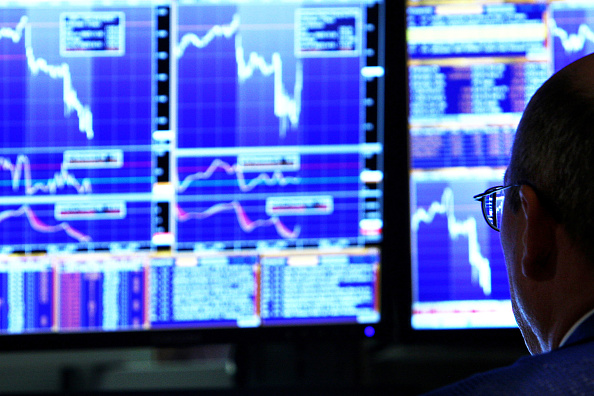Dow Jones Industrial Average「Markets Open A Day After Losing 7 Percent In Single Day」:写真・画像(15)[壁紙.com]