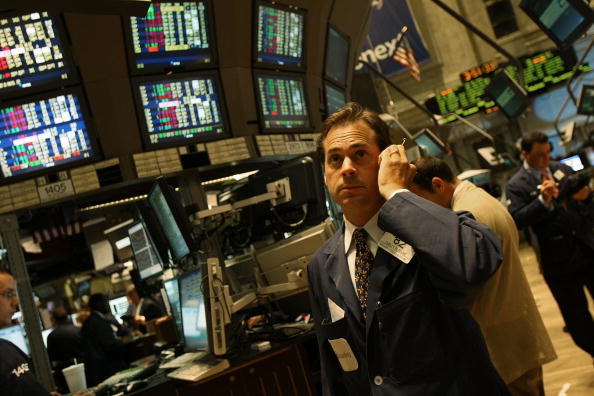 Finance「Stock Market Continues To Tumble Despite AIG Bailout, Lehman Sale」:写真・画像(3)[壁紙.com]