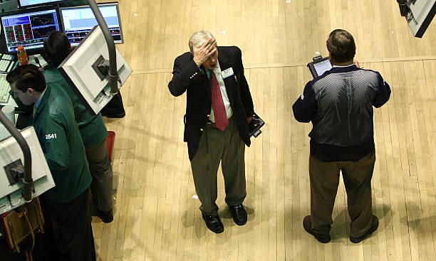 Dow Jones Drops Over 200 Points As Earnings, Consumer Spending Dips:ニュース(壁紙.com)