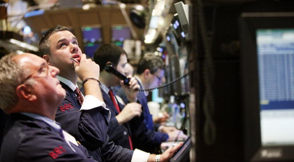 Recovery「Stocks Rally On The Dow For Second Day Of Triple Digit Gains」:写真・画像(11)[壁紙.com]