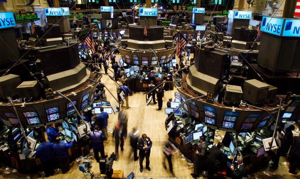 Dow Jones Industrial Average「Dow Plunges Despite Fed Buyout Plan for Debt」:写真・画像(8)[壁紙.com]