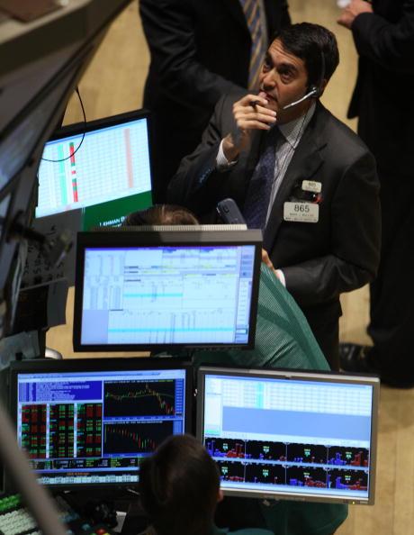 Dow Jones Industrial Average「Stock Market Continues To Recover After Precipitous Drop」:写真・画像(15)[壁紙.com]
