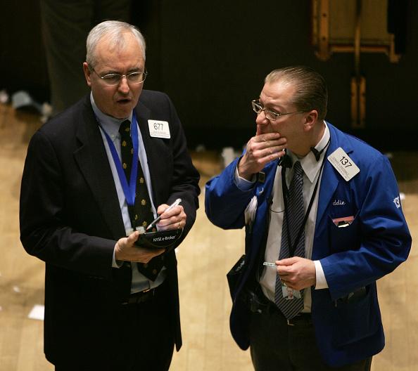 Dow Jones Industrial Average「Stock Market Edges Up On New Employment Data」:写真・画像(2)[壁紙.com]