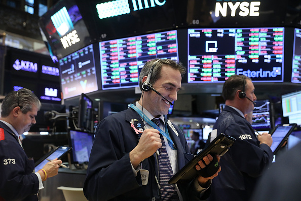 Trading「Dow Jones Industrials' Massive One Day Drop Of 4.6 Percent Rattles Markets Overseas」:写真・画像(12)[壁紙.com]