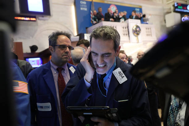 New York Stock Exchange「Dow Continues Decline, With Steep Of Over 100 Points」:写真・画像(11)[壁紙.com]
