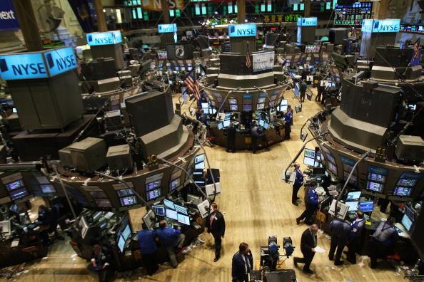 Flooring「Successful Treasury Auction Boosts Stock Market」:写真・画像(3)[壁紙.com]
