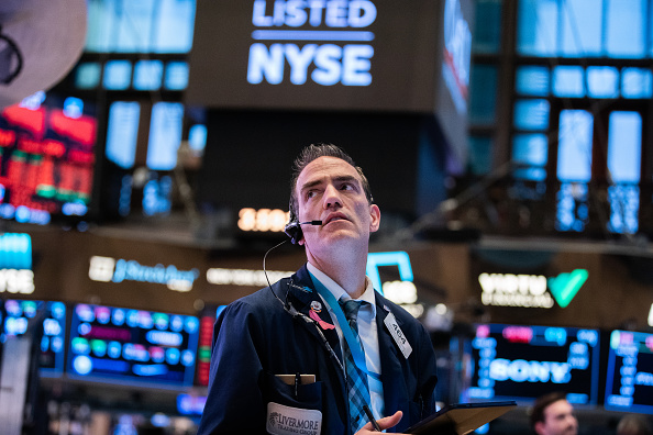 New York City「Stocks Take Another Plunge As Economic Uncertainty Over Coronavirus Continues」:写真・画像(5)[壁紙.com]