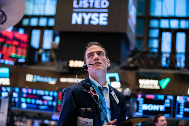 Stocks Take Another Plunge As Economic Uncertainty Over Coronavirus Continues:ニュース(壁紙.com)