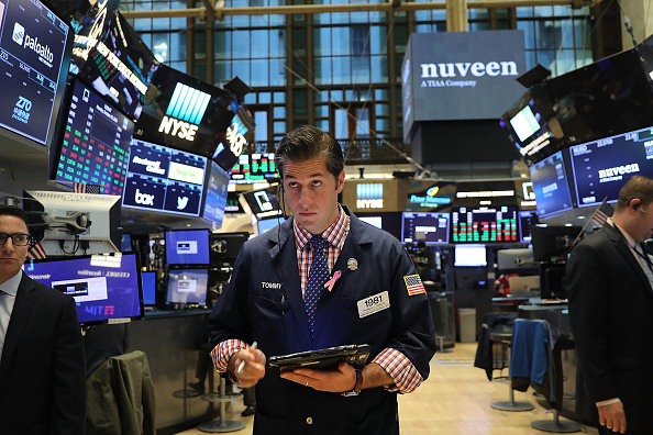 Trader「After Stocks Take A Wild Ride, U.S. Markets Open To A New Week」:写真・画像(14)[壁紙.com]