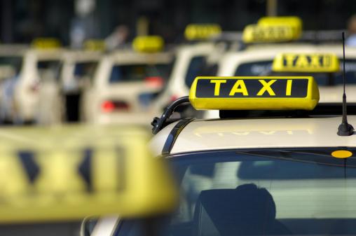 Taxi「Row of Taxi cabs」:スマホ壁紙(3)