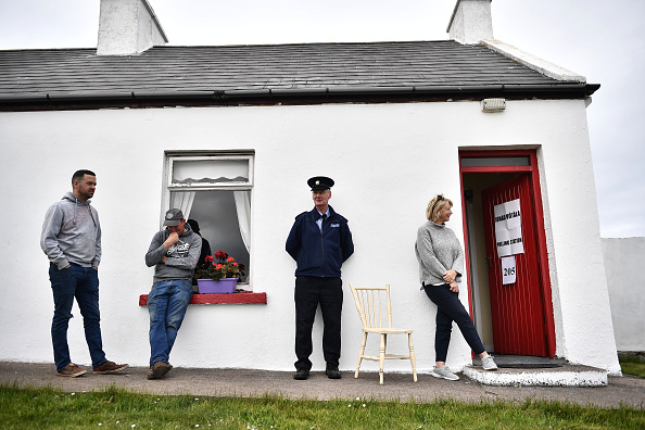 County Donegal「Irish Voters Go To The Polls In The EU Election」:写真・画像(19)[壁紙.com]