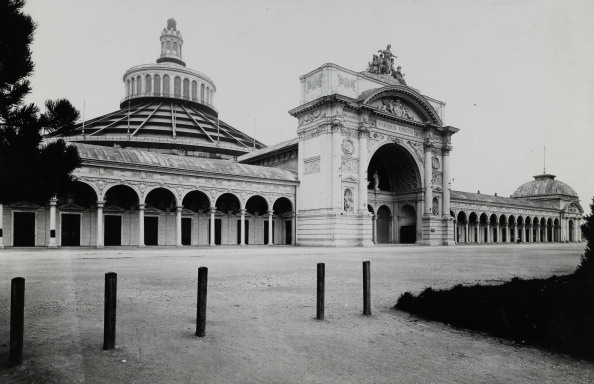 Architectural Feature「Vienna World Exhibition In 1873. Arcades Of The Industrypalace  With The Rotunda.  About 1920. Photograph By Photoatelier Gerlach / Vienna.」:写真・画像(4)[壁紙.com]