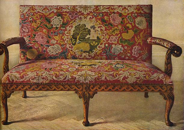 'A Queen Anne Settee Upholstered in Petit Point', c1900, (1936):ニュース(壁紙.com)