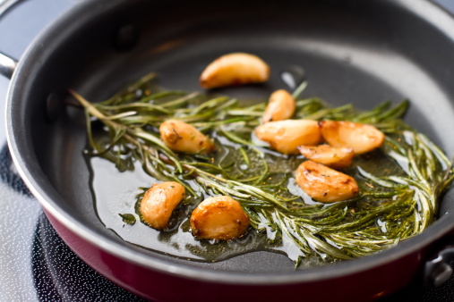 Garlic「Sauteed Garlic and Rosemary in Olive OIl」:スマホ壁紙(18)