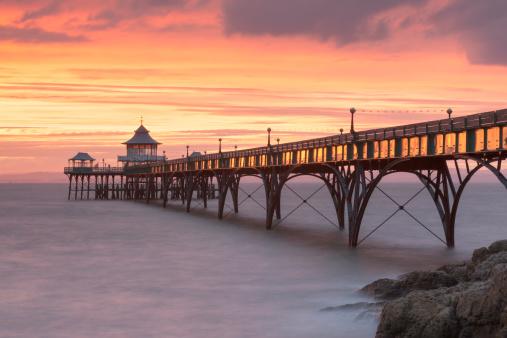 19th Century「Clevedon Pier in Somerset, England」:スマホ壁紙(11)