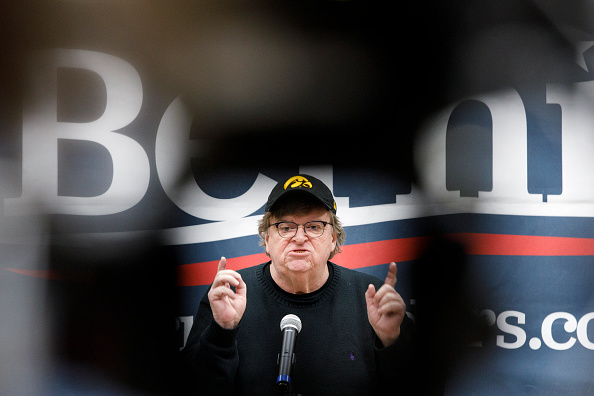 Director「Jane Sanders And Michael Moore Campaign For Bernie Sanders In Iowa」:写真・画像(6)[壁紙.com]
