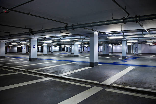 Empty Parking Garage:スマホ壁紙(壁紙.com)