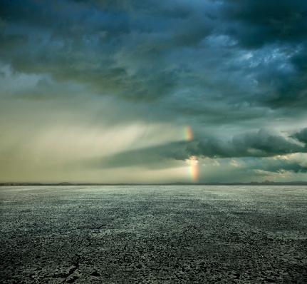 Rainbow「Empty parking lot, stormy sky」:スマホ壁紙(17)