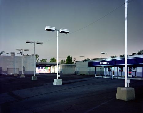 City Of Los Angeles「Empty parking lot at car rental」:スマホ壁紙(5)