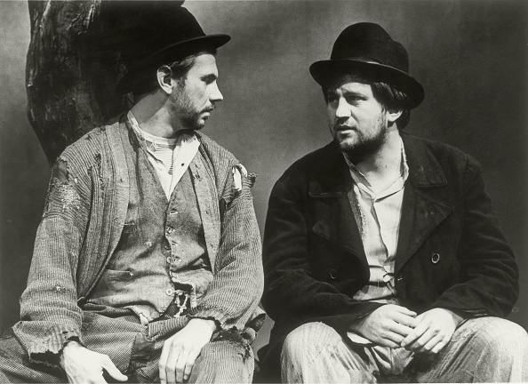 Tarragon「Otto Schenk And Franz Messner In The Play ' Waiting For Godot  '」:写真・画像(2)[壁紙.com]