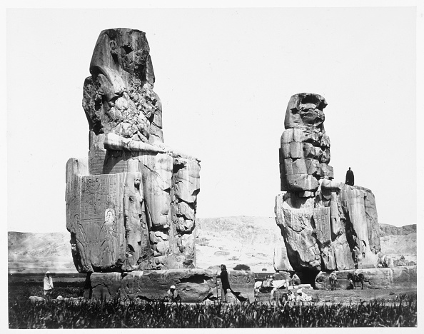 Pair「The Colossi Of Memnon Thebes Egypt 1860」:写真・画像(10)[壁紙.com]
