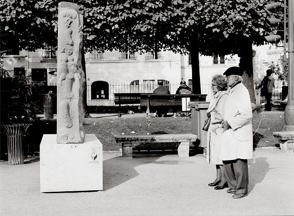 Senior Couple「Paris...」:写真・画像(12)[壁紙.com]