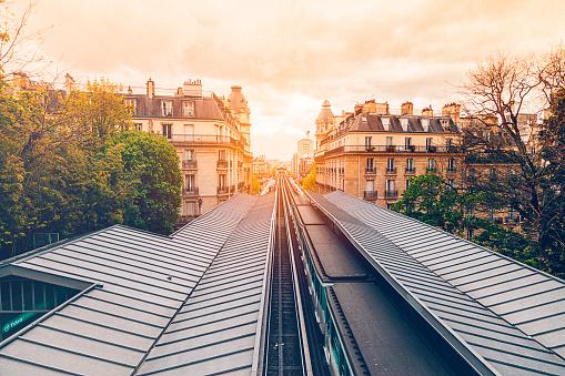 Subway Train「Paris City View」:スマホ壁紙(17)