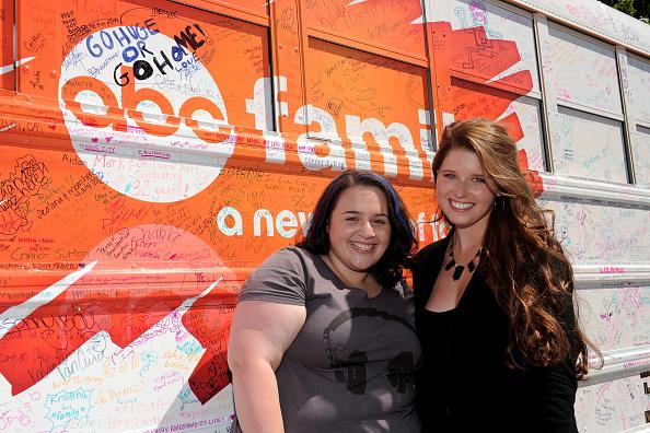 "Nikki Blonsky「The ABC Family ""Live Huge"" Bus Campaign Stops In Los Angeles」:写真・画像(4)[壁紙.com]"