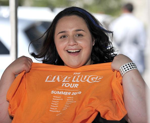 "Nikki Blonsky「The ABC Family ""Live Huge"" Bus Campaign Stops In Los Angeles」:写真・画像(9)[壁紙.com]"