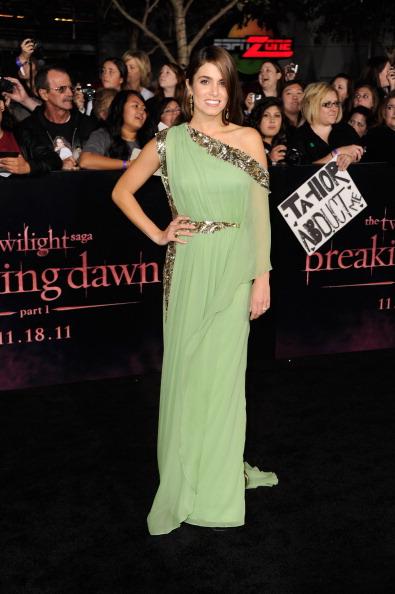 "Chiffon「Premiere Of Summit Entertainment's ""The Twilight Saga: Breaking Dawn - Part 1"" - Arrivals」:写真・画像(12)[壁紙.com]"