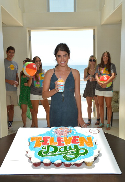Empire State Building「Actress Nikki Reed Hosts 7-Eleven's 86th Birthday Party In Malibu」:写真・画像(2)[壁紙.com]