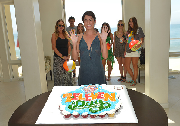 Empire State Building「Actress Nikki Reed Hosts 7-Eleven's 86th Birthday Party In Malibu」:写真・画像(5)[壁紙.com]