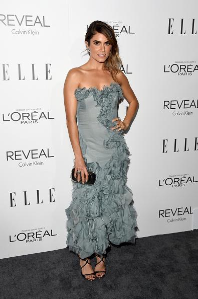 Gray Dress「ELLE's 21st Annual Women In Hollywood Celebration - Arrivals」:写真・画像(8)[壁紙.com]