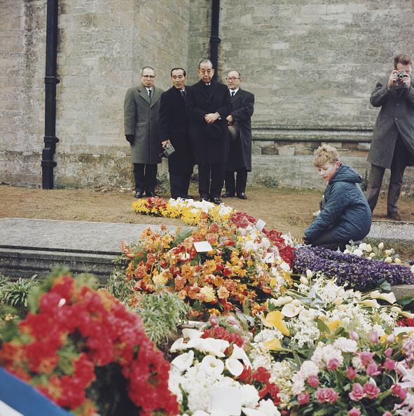 Bouquet「Churchill's Funeral」:写真・画像(4)[壁紙.com]