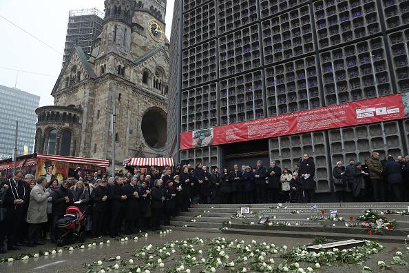 2016 Berlin Christmas Market Attack「Germany Commemorates 2016 Christmas Market Terror Attack」:写真・画像(14)[壁紙.com]