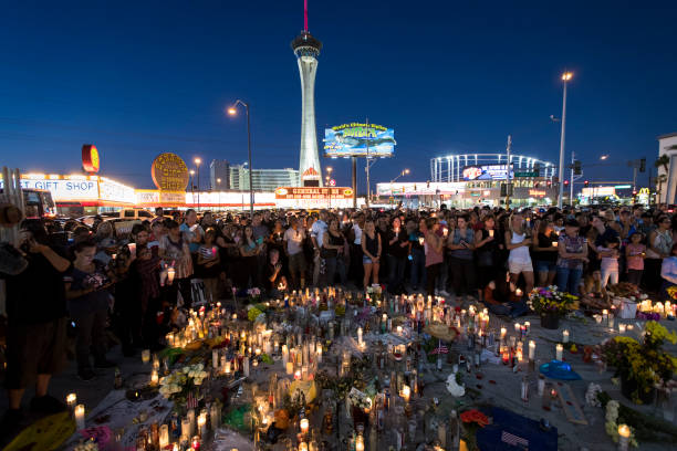 Las Vegas Mourns After Largest Mass Shooting In U.S. History:ニュース(壁紙.com)