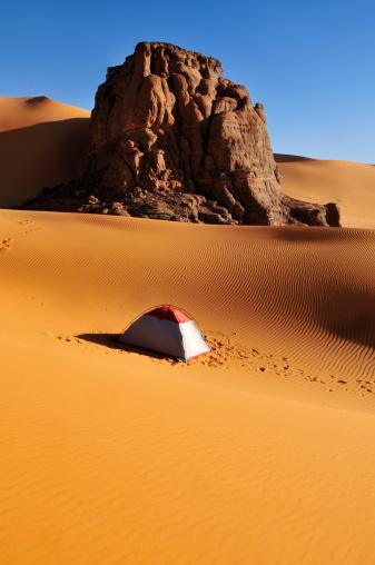 Tent「Algeria, Rock and dune landscape in Moul Naga at Tassili n Ajjer National Park」:スマホ壁紙(14)