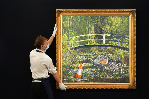 People「Banksy's 'Show Me The Monet' To Star In Sotheby's 'Modernites/Contemporary' Evening Sale Series」:写真・画像(18)[壁紙.com]