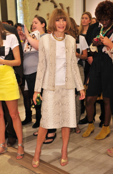 Saks Fifth Avenue「Fashion's Night Out At SAKS Fifth Avenue」:写真・画像(9)[壁紙.com]