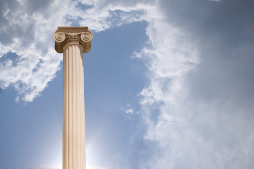 Roman「Column against cloudy sky」:スマホ壁紙(0)