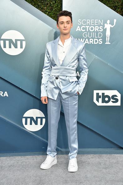 Noah Schnapp「26th Annual Screen ActorsGuild Awards - Arrivals」:写真・画像(6)[壁紙.com]