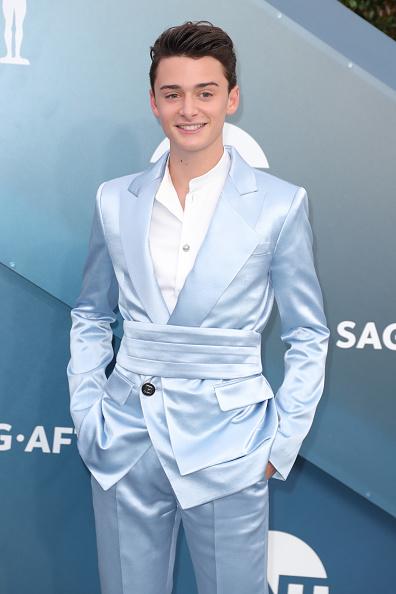 Noah Schnapp「26th Annual Screen ActorsGuild Awards - Arrivals」:写真・画像(9)[壁紙.com]