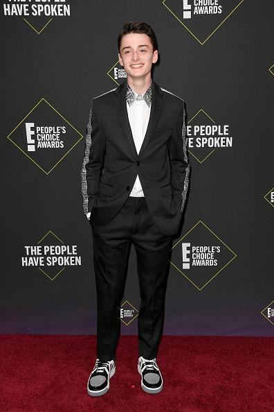 Noah Schnapp「2019 E! People's Choice Awards - Arrivals」:写真・画像(5)[壁紙.com]