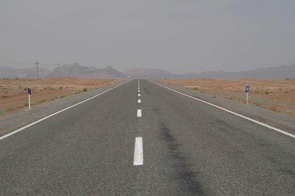 Road「Dasht-e Kavir」:写真・画像(11)[壁紙.com]