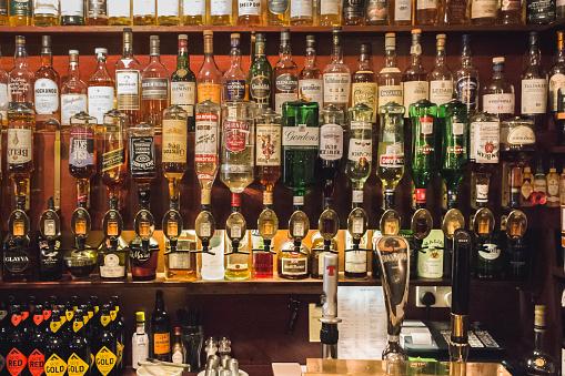 Bar Counter「Bar in Scotland」:スマホ壁紙(8)
