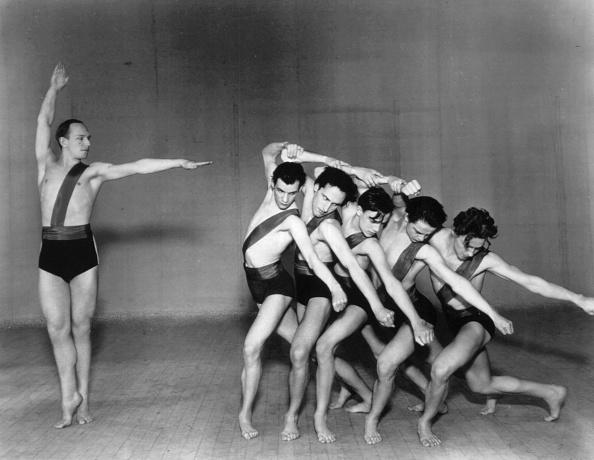 Males「Jooss Leeder Ballet」:写真・画像(4)[壁紙.com]