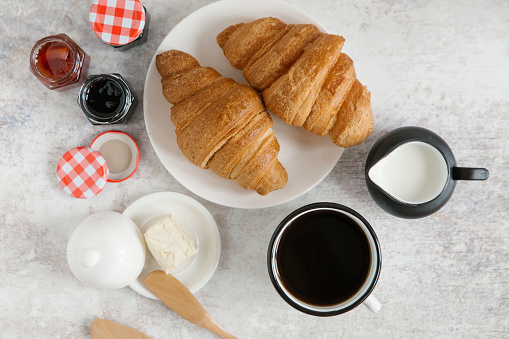 Bun - Bread「Croissants on plate with coffee and jam」:スマホ壁紙(1)