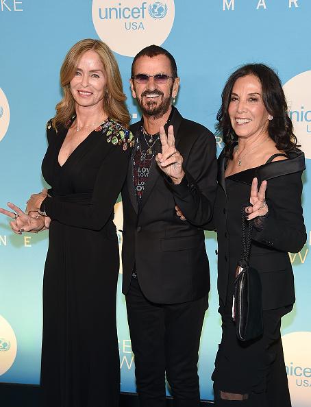 雪の結晶「UNICEF USA's 14th Annual Snowflake Ball」:写真・画像(11)[壁紙.com]