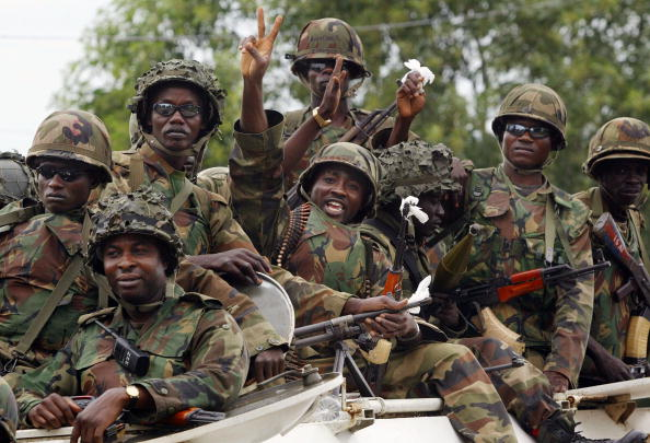 Army Soldier「Liberians Greet Peacekeepers in Monrovia」:写真・画像(9)[壁紙.com]