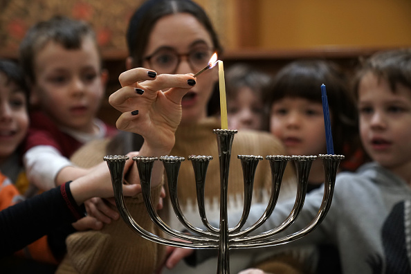 Spirituality「Preschoolers Attend Menorah Lighting At Washington Synagogue Ahead Of Hanukkah」:写真・画像(16)[壁紙.com]